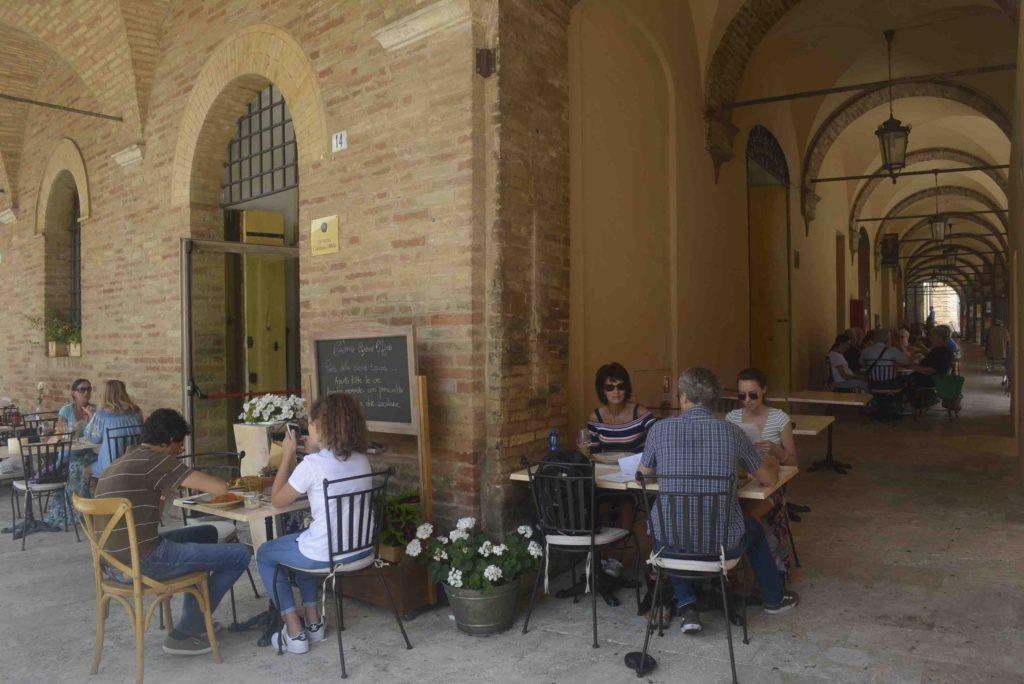 Offida Piazza del Popolo